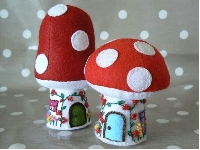 ♥HSH♥ Gnome House/Toadstool House Pincushion